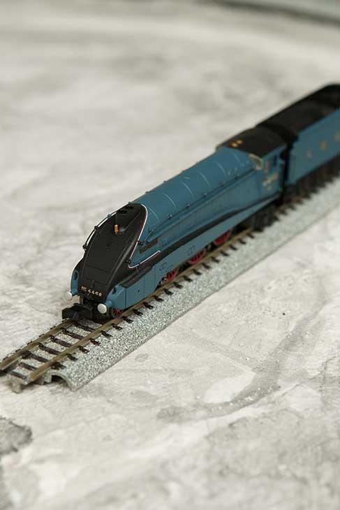 "LNER Class A4 ""Mallard"" 2S-008-008"
